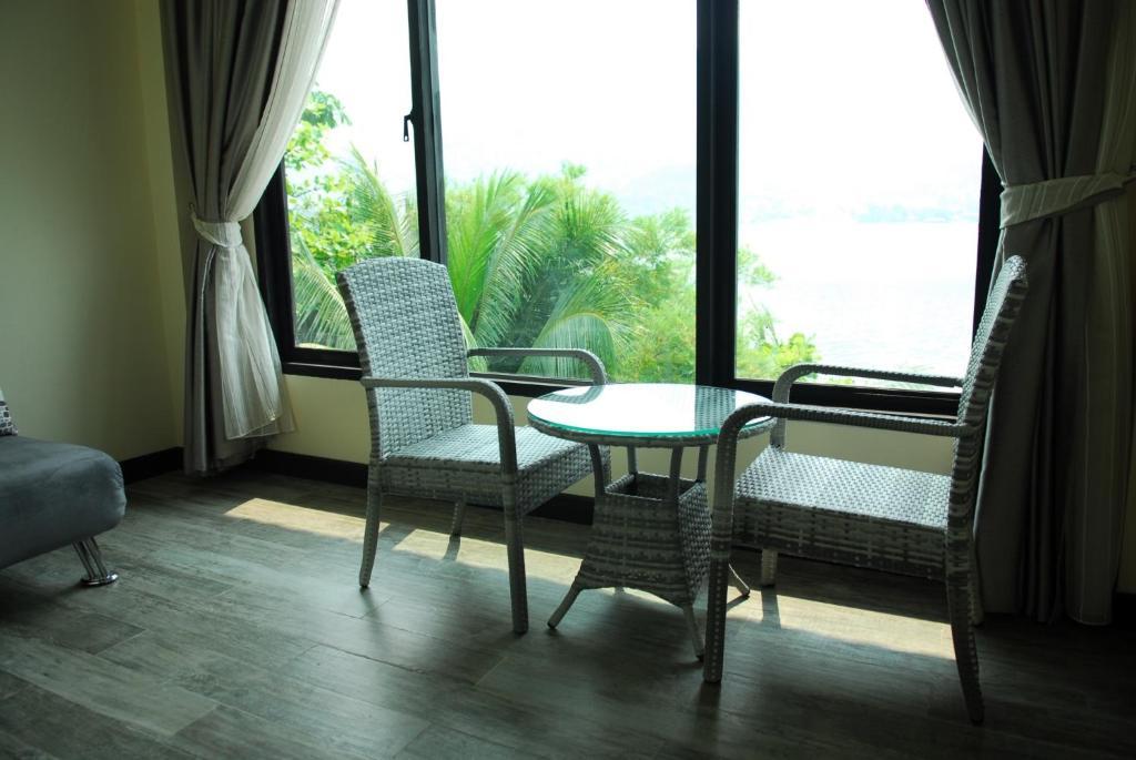 River kwai thai massage match 50 plus