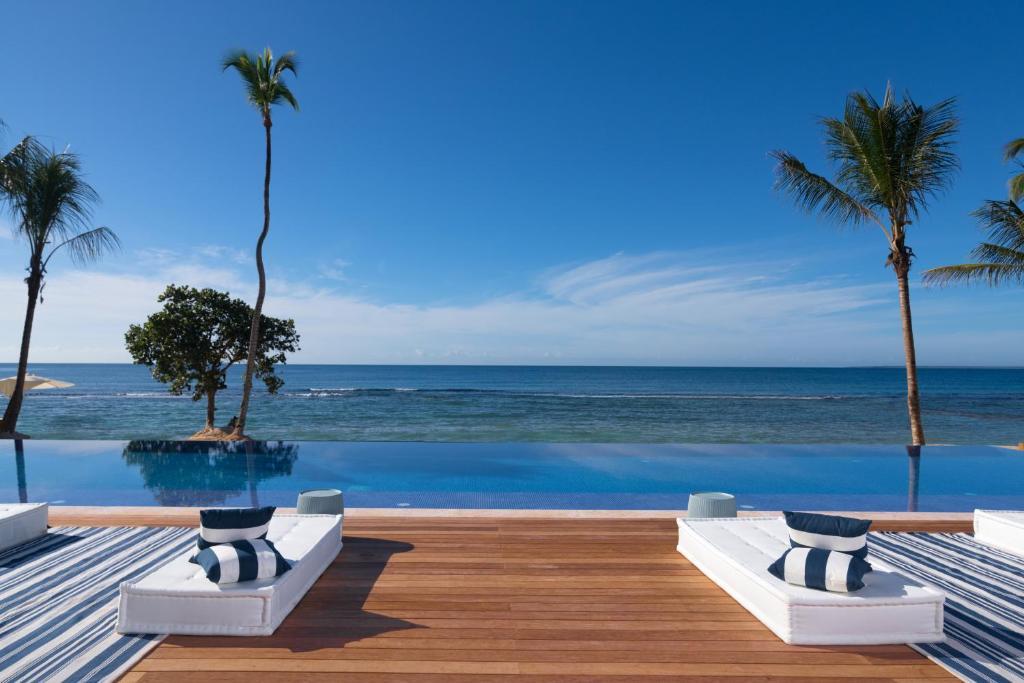 The swimming pool at or near Casa de Campo Resort & Villas