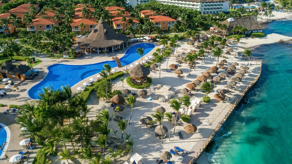 A bird's-eye view of Ocean Maya Royale - Adults Only