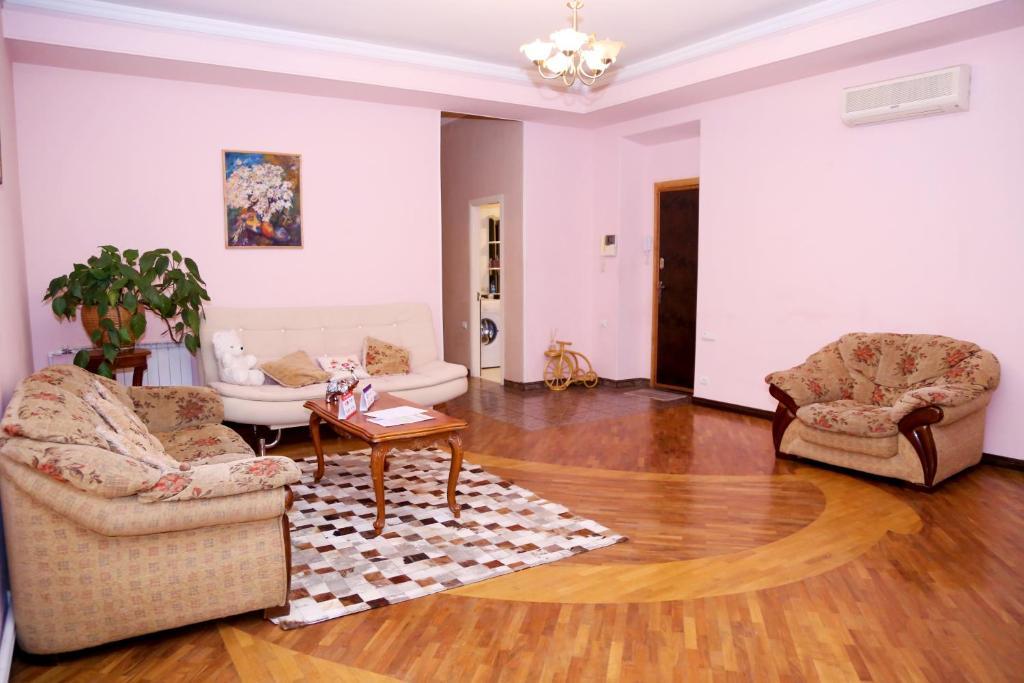 Apartment on 11 Amiryan Street, Yerevan, Armenia - Booking.com