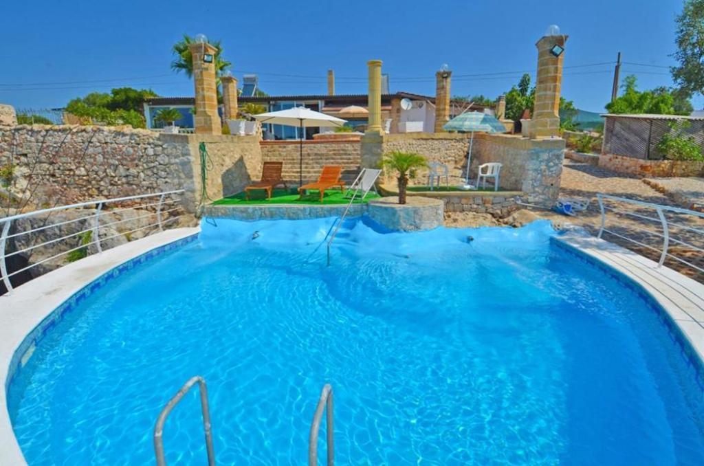 Gd salento villa con piscina vista mare marina di - Piscina villa primavera udine prezzi ...