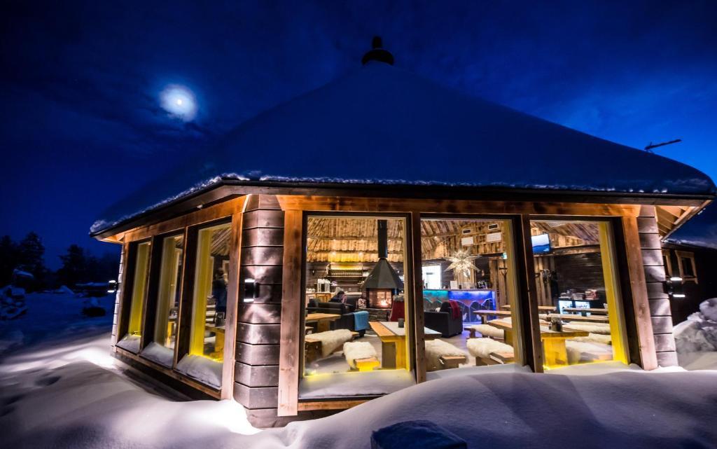Afbeeldingsresultaat voor hotel aurora village