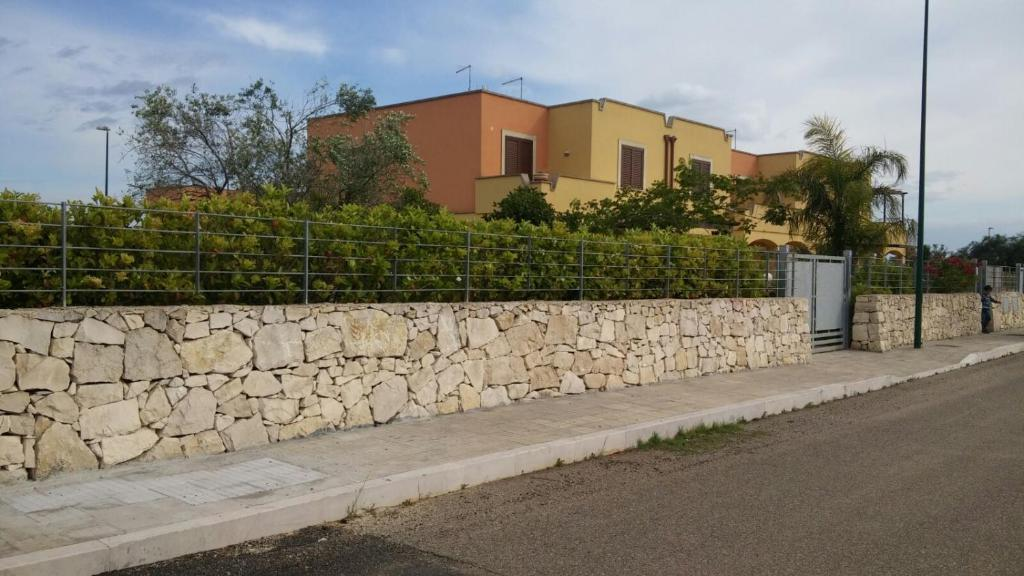 Villa Elegante Villetta In Via Messina, Santa Maria al Bagno ...