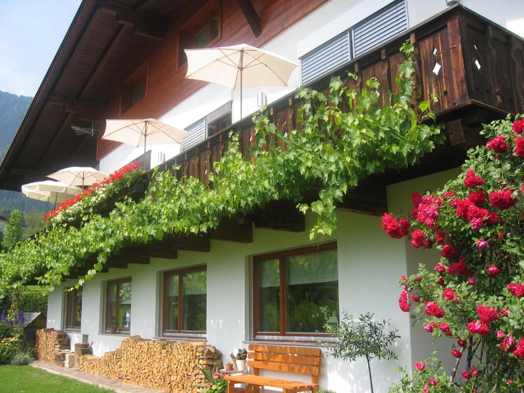 Guesthouse Haus Alpenglühn, Sautens, Austria - Booking.com
