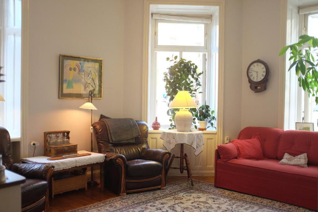 Beautiful Artistic Heirloom Apartment 100sqm Stockholm Sweden - Sleek-and-beautiful-apartment-in-sweden