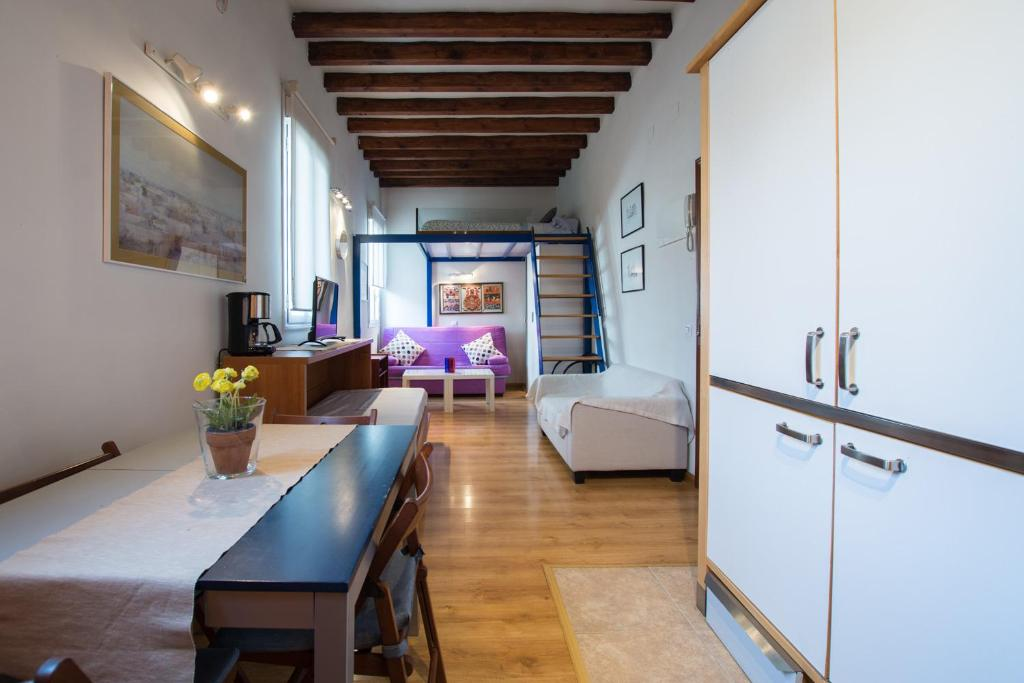 Mc Yolo Apartamento Museo Reina Sofia Ll Madrid Updated 2019 Prices