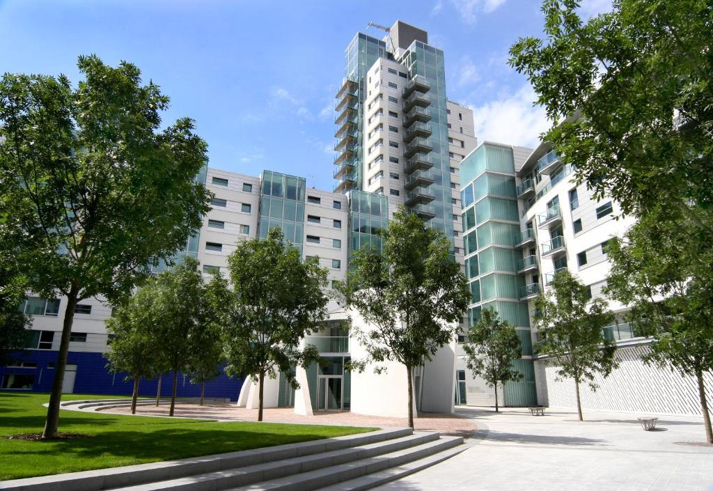 Marlin Apartments Empire Square, London – Updated 2018 Prices