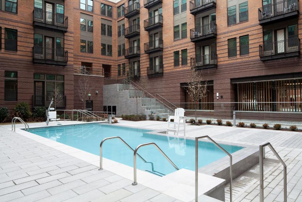 The swimming pool at or near Stay Alfred on South Charles Street