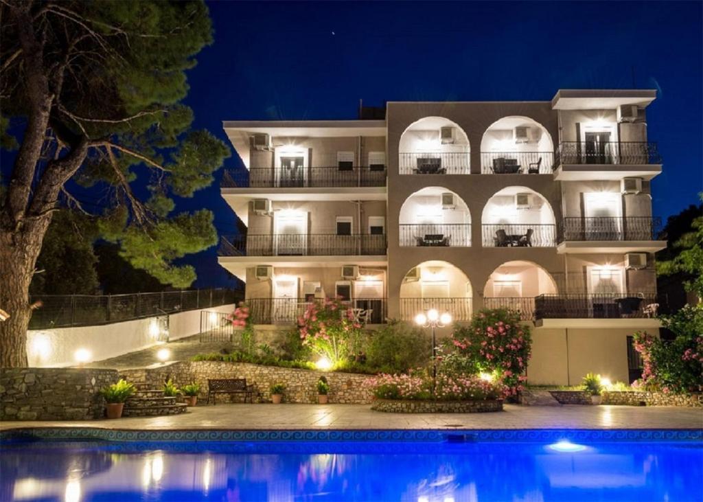 Apartments Albanis Villa