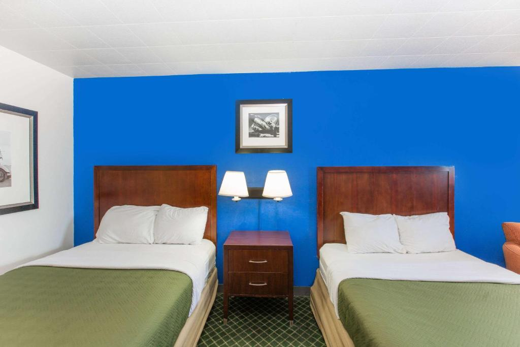 Travelodge by Wyndham Great Bend | 3200 10th St, Great Bend, KS, 67530 | +1 (620) 603-0963