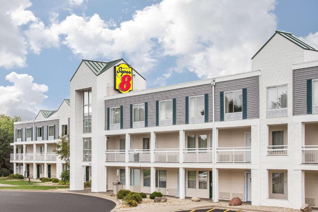 Super 8 By Wyndham Madison East  Madison  U2013 Updated 2019 Prices