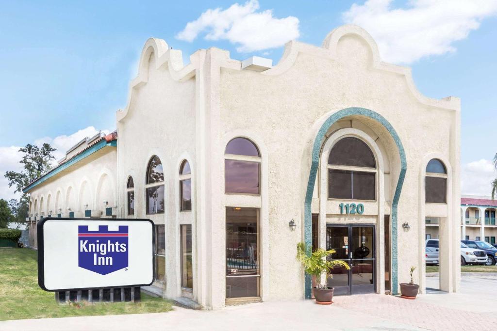 Knights Inn Ontario