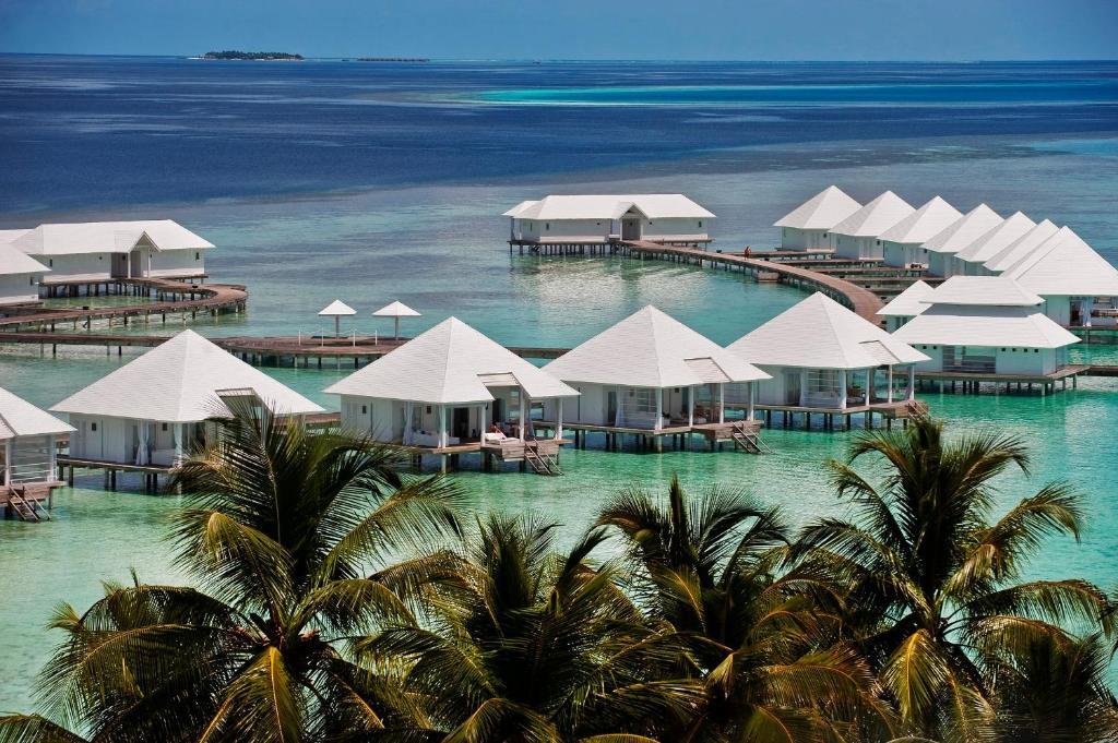 Удобства и услуги курортного отеля —Diamonds Athuruga Beach & Water Villas