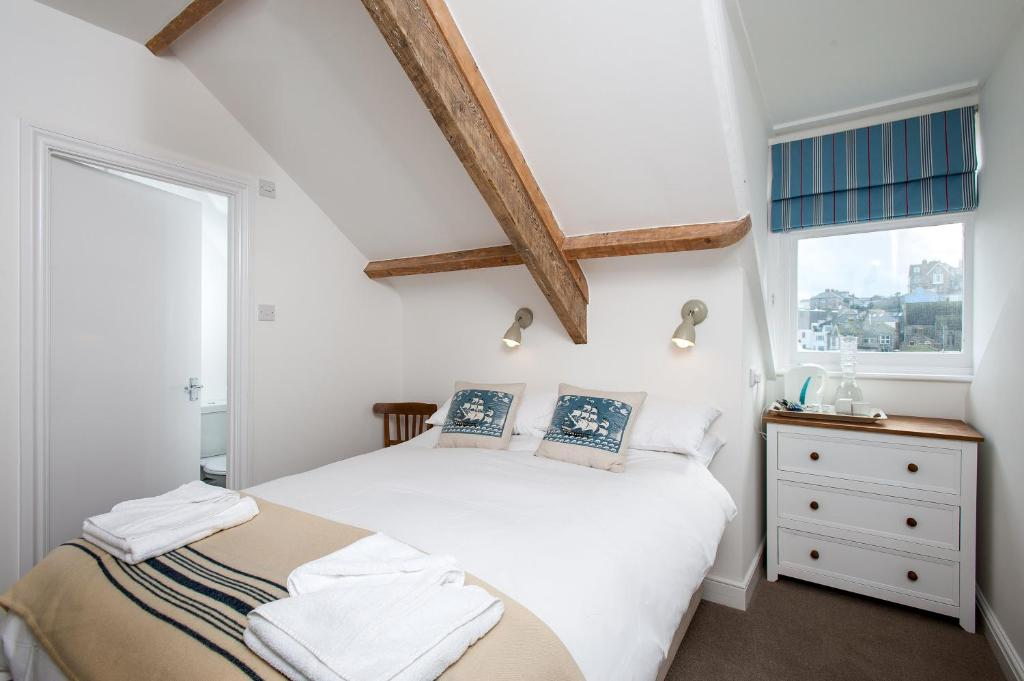 the queens hotel st ives st ives updated 2019 prices. Black Bedroom Furniture Sets. Home Design Ideas