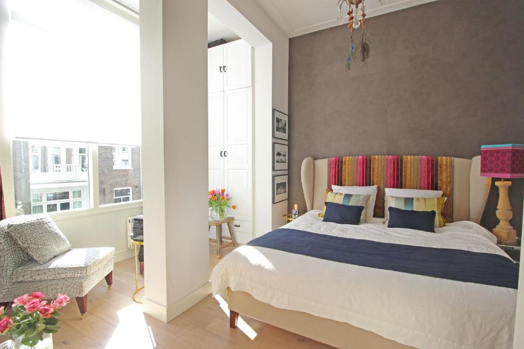 Vuode tai vuoteita majoituspaikassa Cozy private room next to Vondelpark