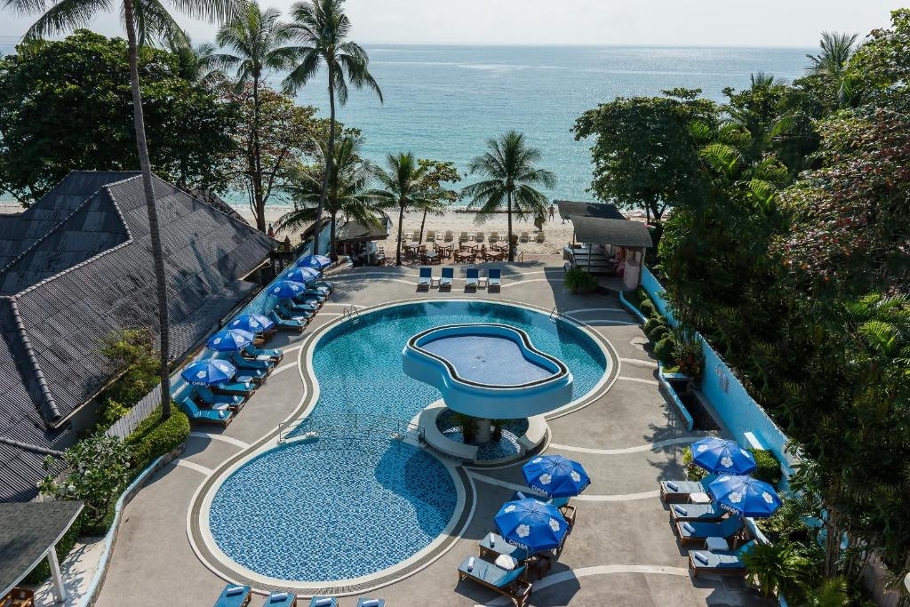 A view of the pool at Chaba Samui Resort or nearby