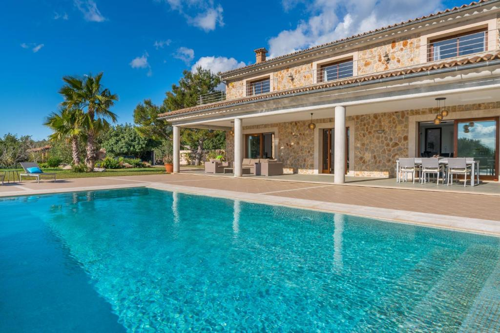 Villa luxe biniamar spain booking