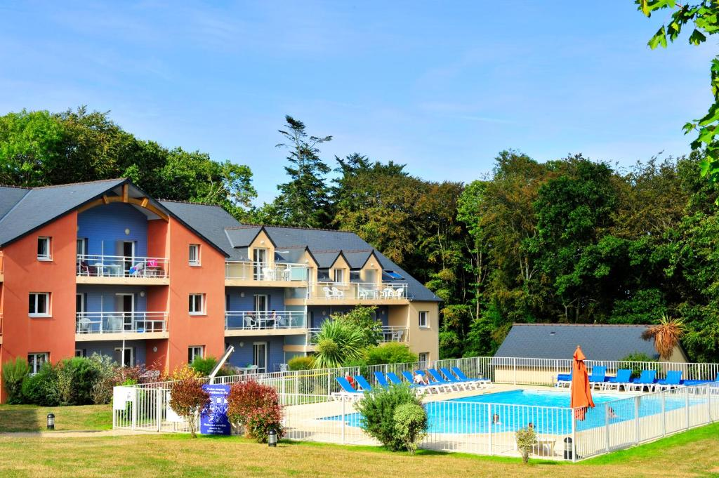 Apartments In Plouégat-guérand Brittany