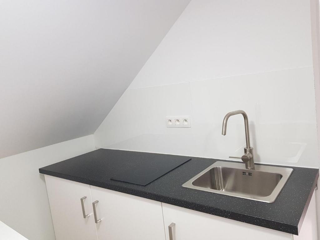 Apartment Midi Flats, Brussels, Belgium - Booking.com