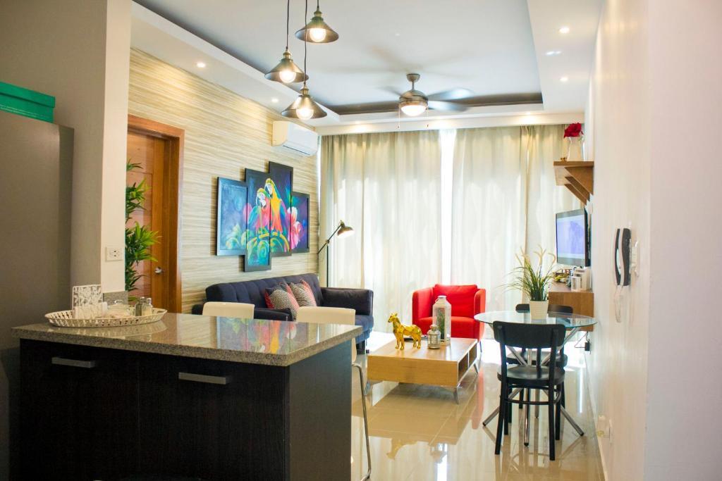 Luxury in Bella Vista with roof top Jacuzzi area!, Santo Domingo ...