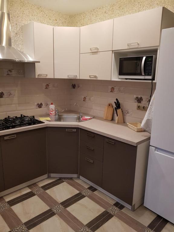 Кухня или мини-кухня в Радужный