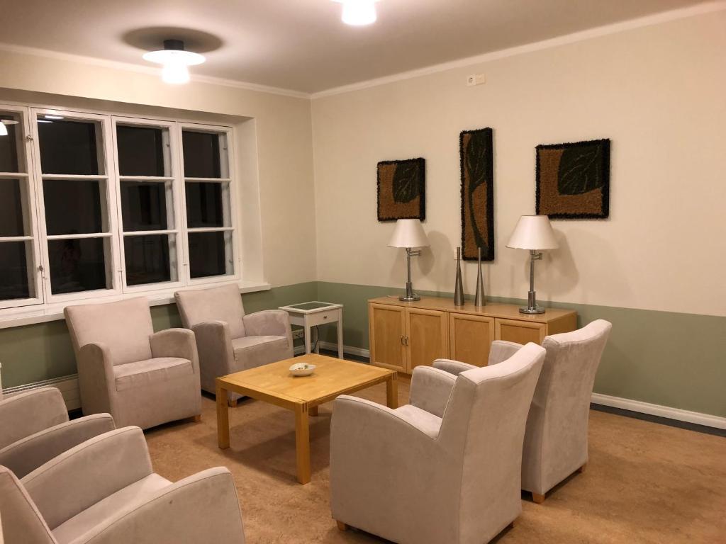 Hotelli Villil N Kartano Ja Kulttuurikeskus Suomi Nakkila  # Meuble Tv Katso