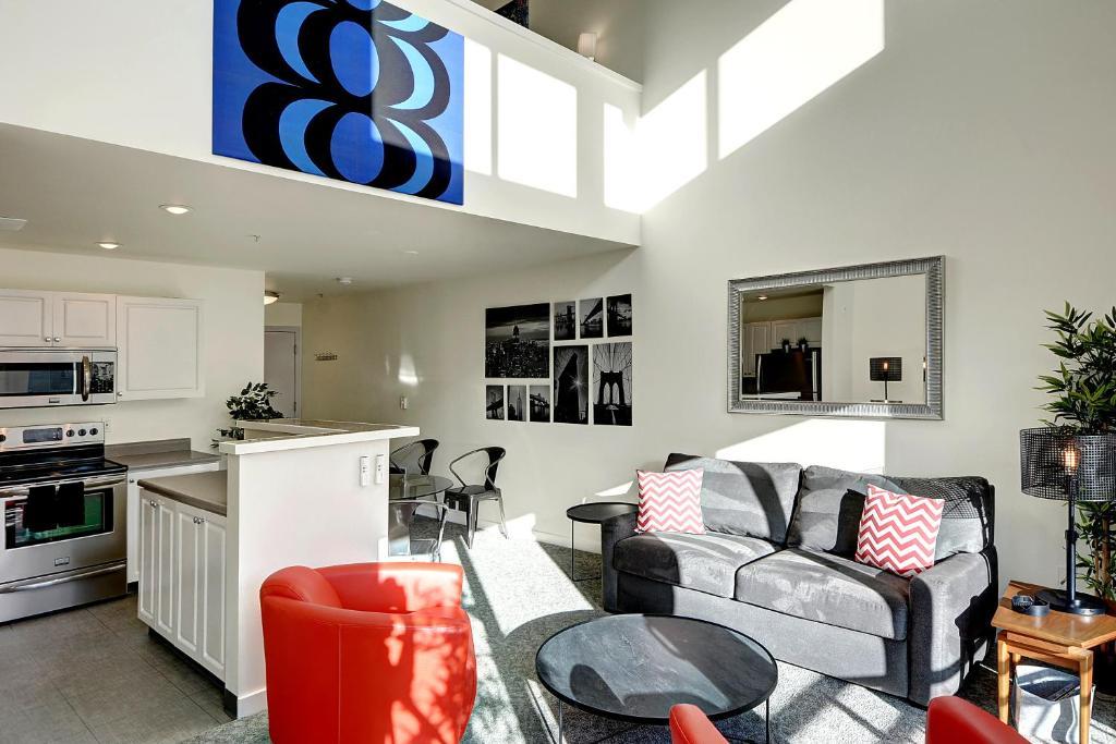 belltown court loft penthouse one bedroom apartment seattle wa rh booking com