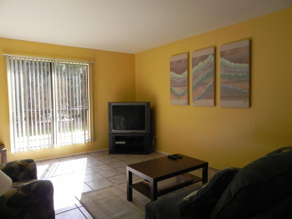 Affordable 1BR Condo North Phoenix, AZ - Booking.com
