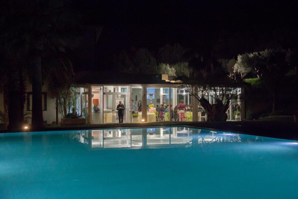 Vasca Da Bagno Kalos : Villa kalos ad alghero splendida villa immersa nel verde