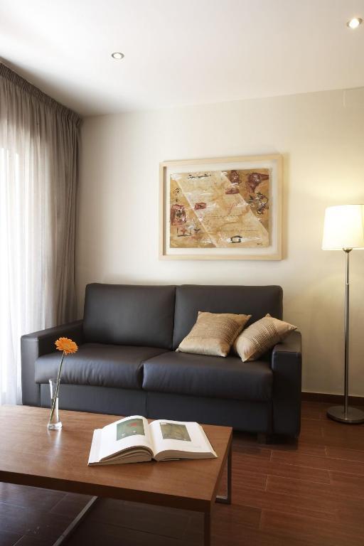 Apartamentos Turisticos Madanis imagen
