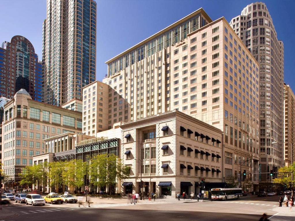 Hotel the peninsula chicago il for Hotels 60657