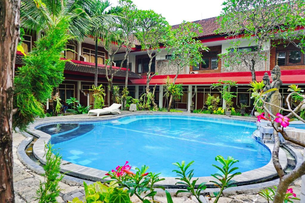 The swimming pool at or close to Warna Kedaton Hotel and Meetings