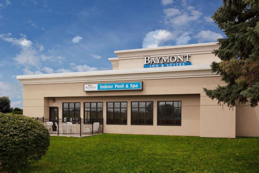Places To Stay In St Joseph Michigan >> Baymont Inn St Joseph Stevensville Mi Booking Com