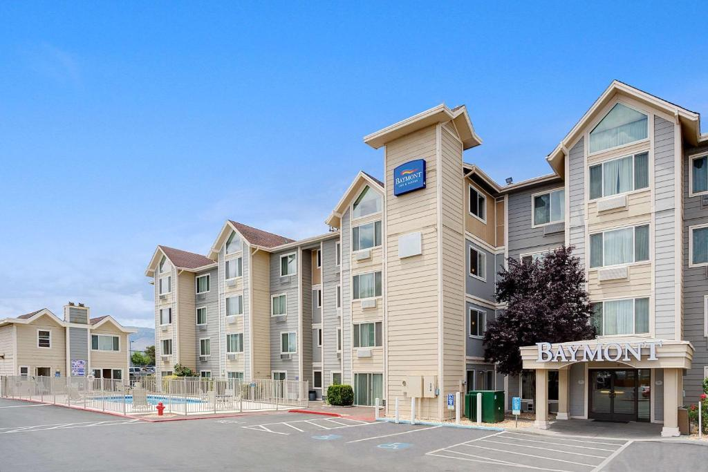 Baymont Inn And Suites Reno Nv Booking Com