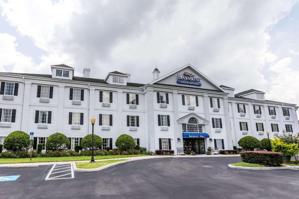 Baymont Inn Suites Lakeland Fl Bookingcom