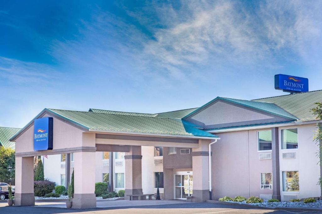 Baymont Inn & Suites, Bartonsville, PA - Booking com