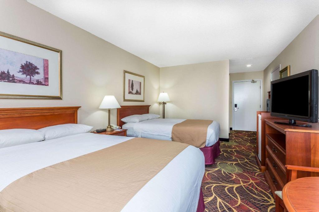 Hotel Baymont Cornelia, GA - Booking.com