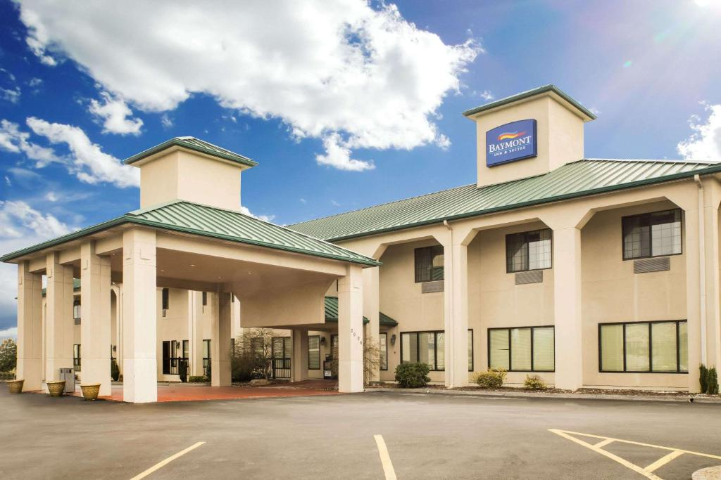 Baymont Inn Suites Johnson City Tn Bookingcom