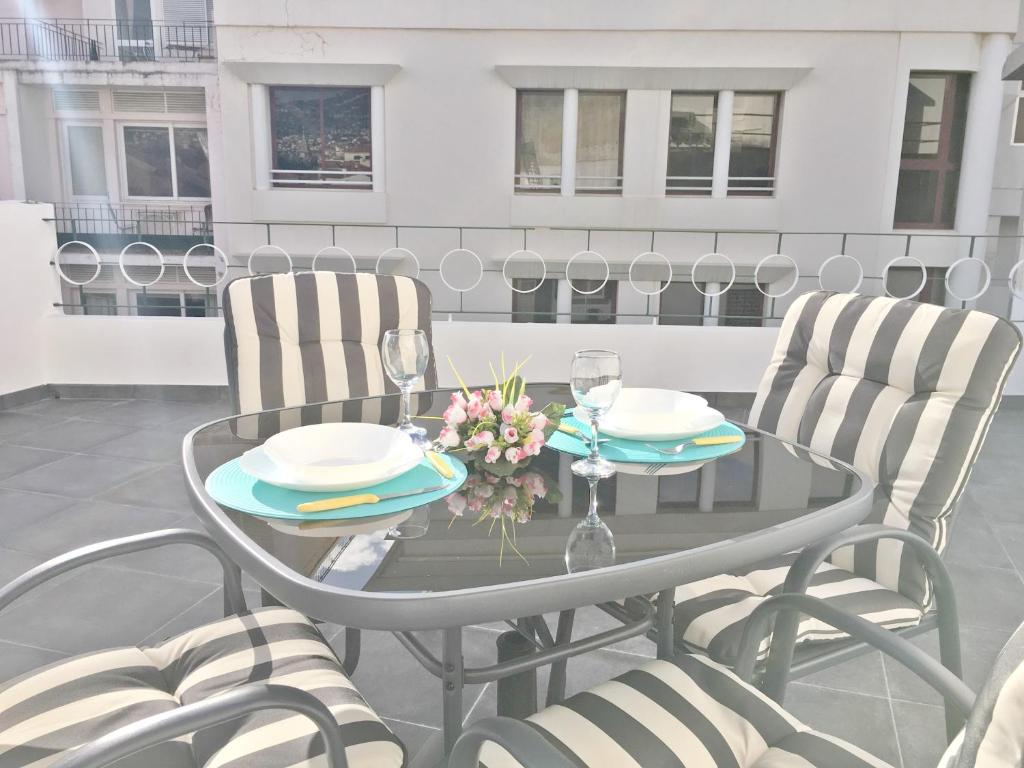 A balcony or terrace at Terrace Apartment