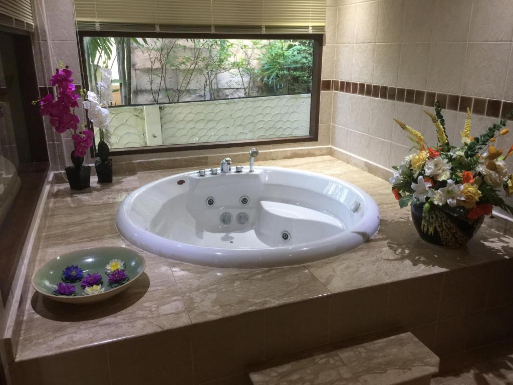 Sujika Gardens Resort & Residential (Thailand Phuket) - Booking.com