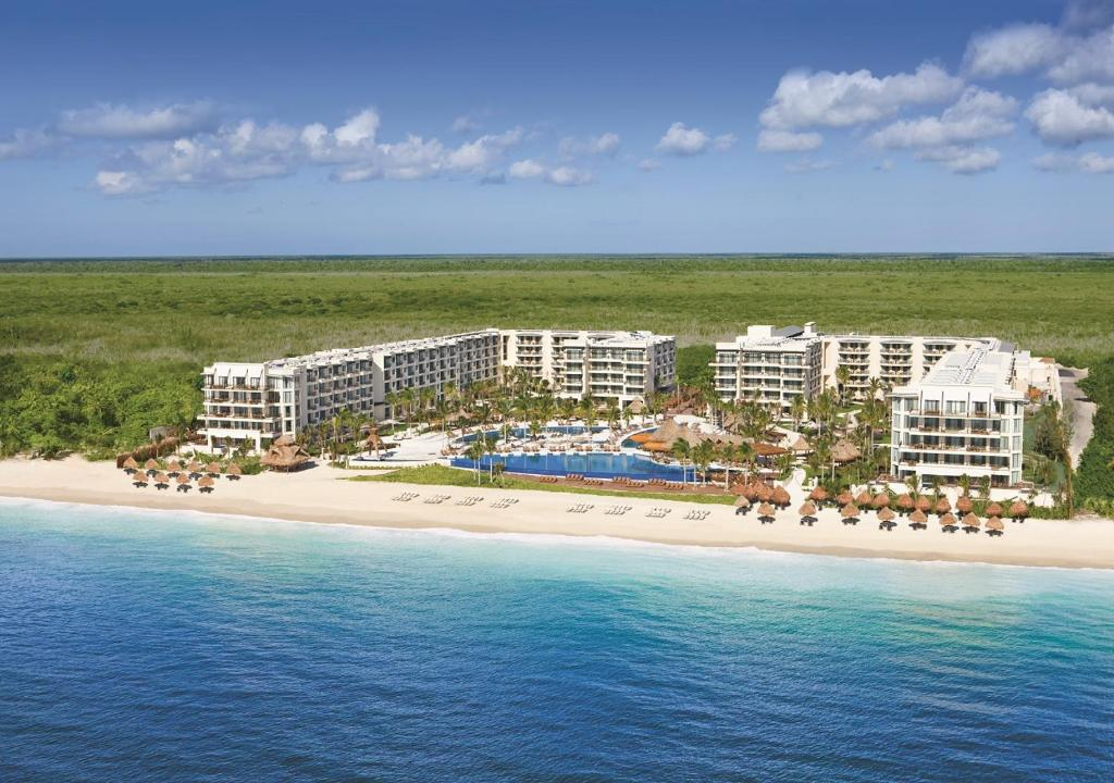 A bird's-eye view of Dreams Riviera Cancun Resort & Spa - All Inclusive