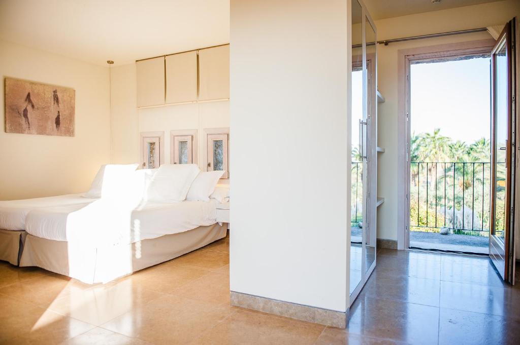 hoteles con encanto en vilafranca de bonany  12