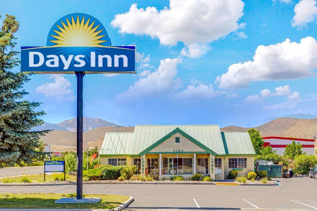days inn by wyndham carson city nv. Black Bedroom Furniture Sets. Home Design Ideas