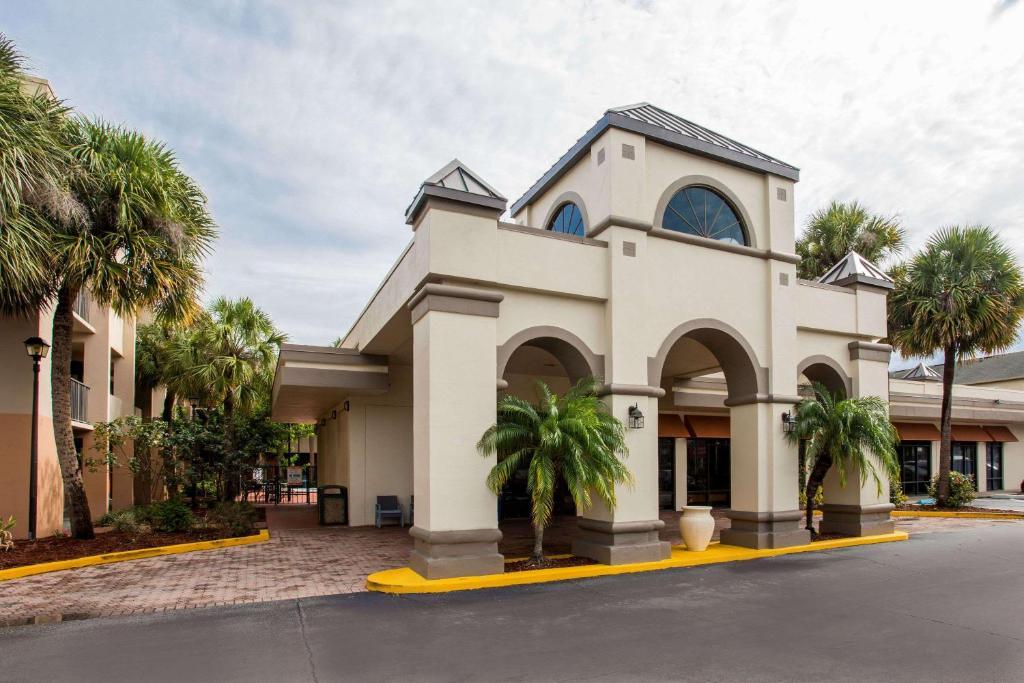 Days Inn  U0026 Suites By Wyndham Orlando Airport  Orlando