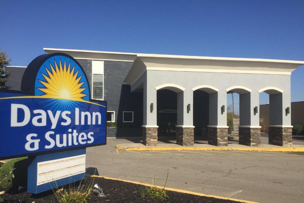 Days Inn  U0026 Suites Cincinnati North  Springdale  Oh