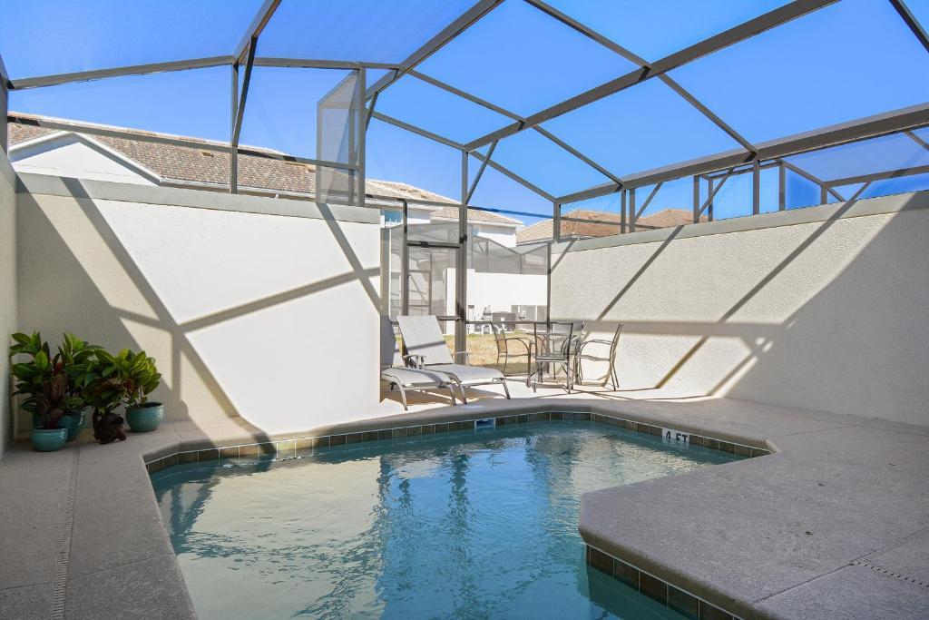 A piscina em ou perto de Four Bedrooms w/ Game & Pool 4900