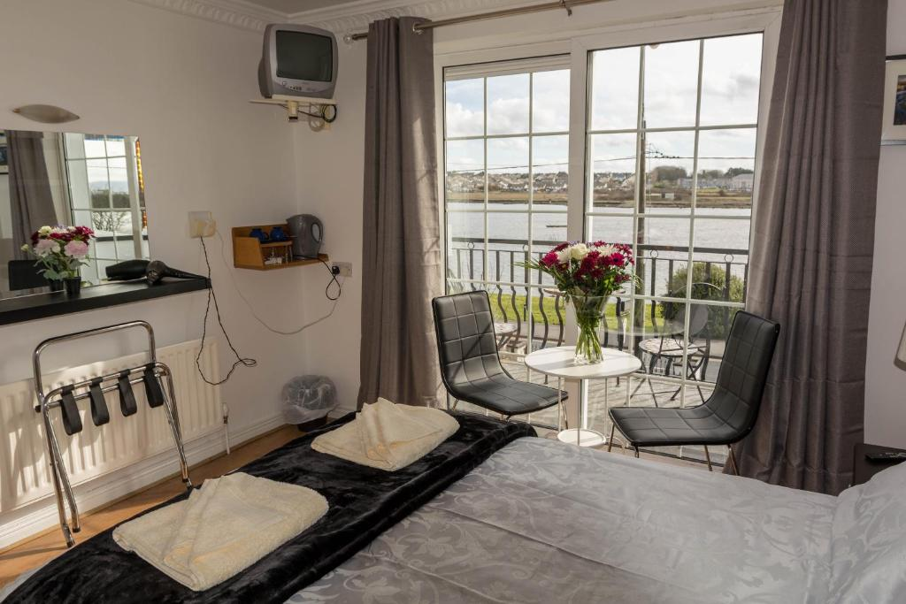 Guesthouse The Light House Galway Ireland Booking Com