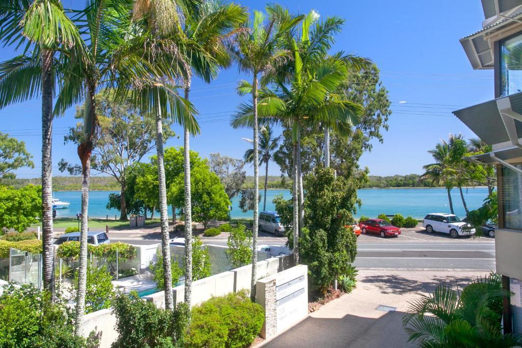 Apartment Aarons Luxury Retreat Noosaville Australia Booking