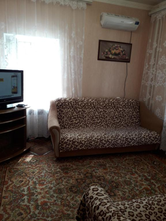 Гостиная зона в 2-комнатная квартира