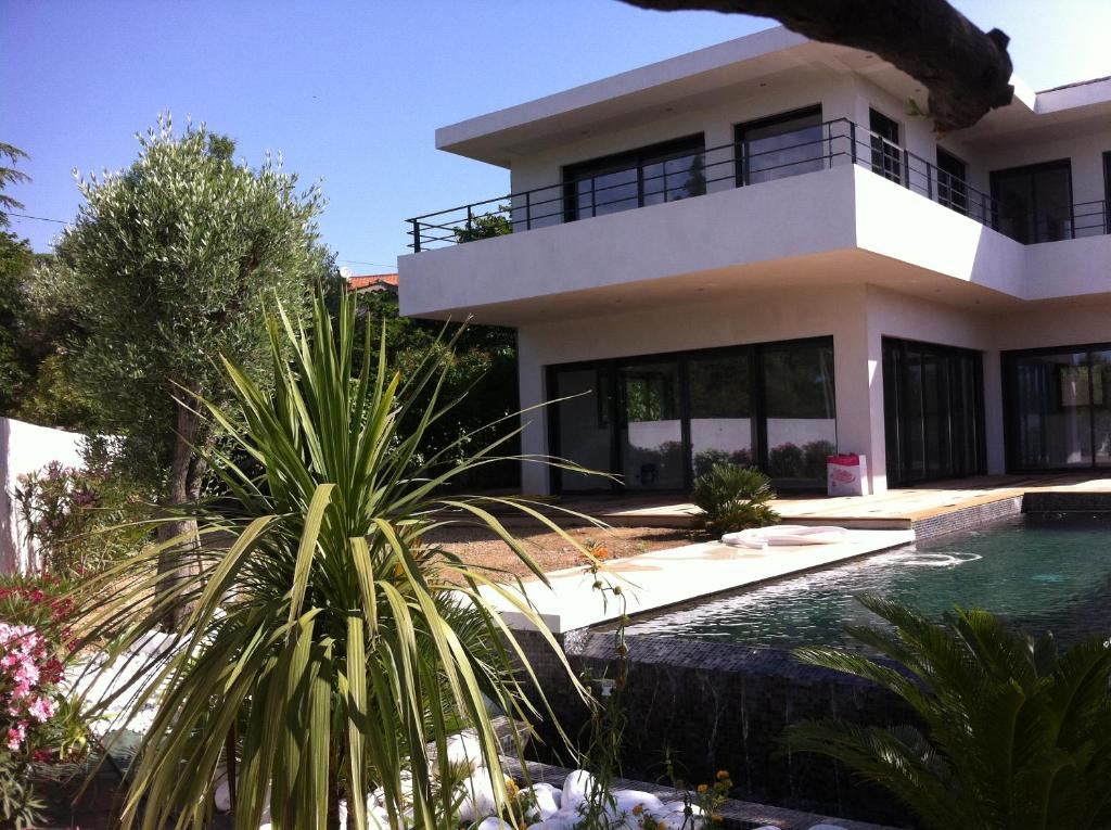 Villa Contemporaine La Rimade Ceyreste France Booking Com